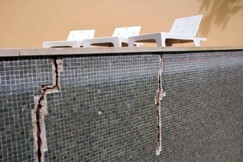 How to Fix Swimming Pool Cracks